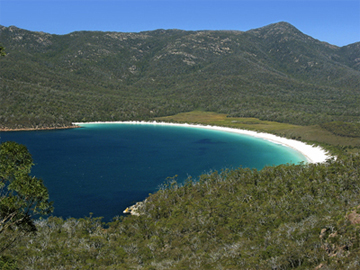 0044 - Wineglass Bay, Freycinet National Park, TAS