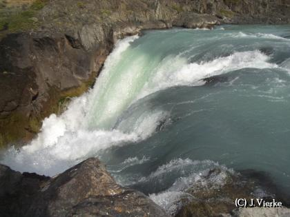 Wasserfall im Torres del Paine NP - Chile